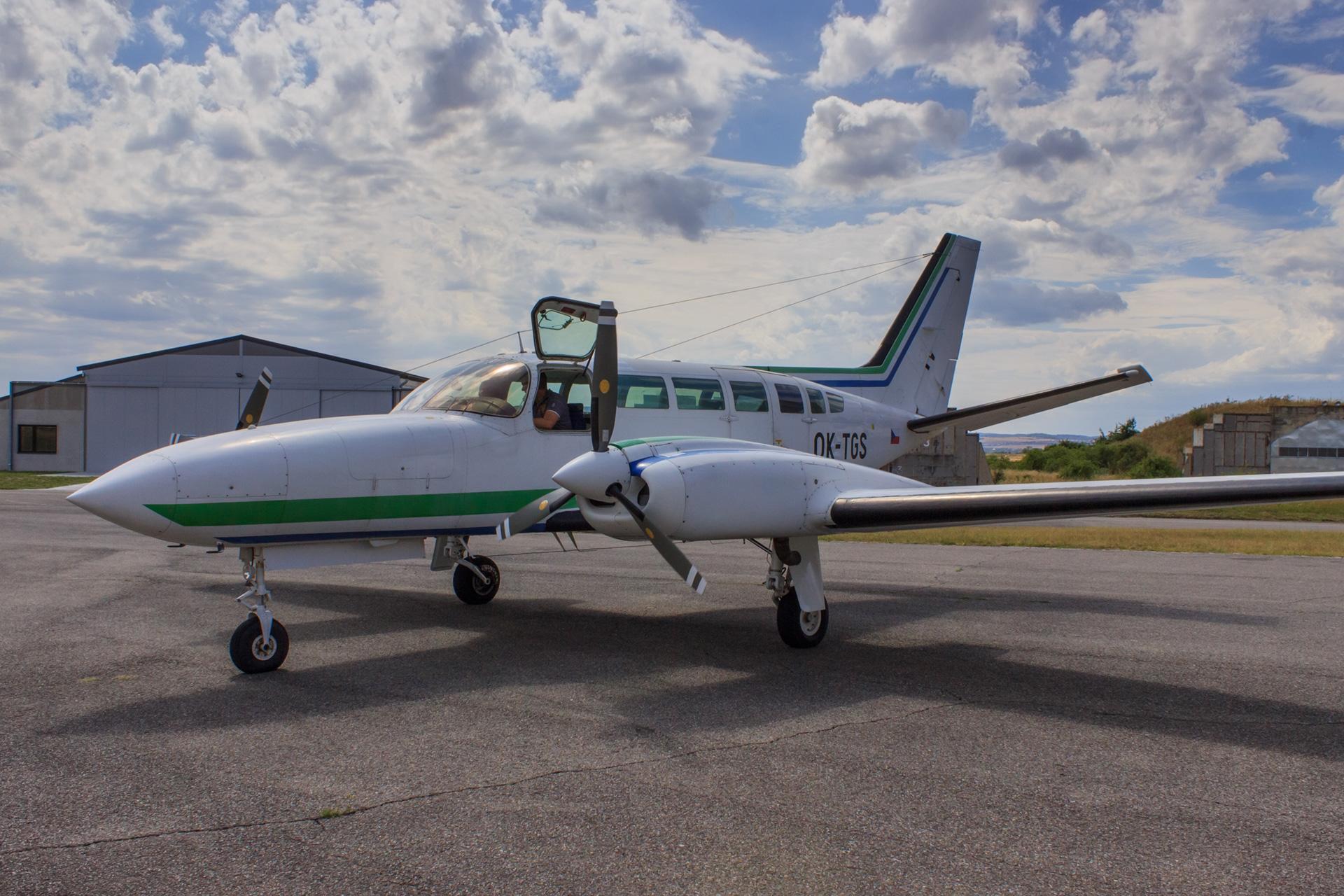 Cessna 404 OK-TGS společnosti TopGis